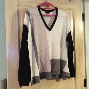 22/24 Lane Bryant v-neck sweater